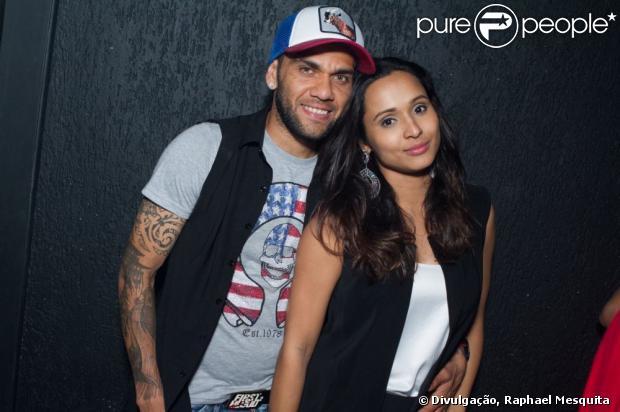 Dani Alves with beautiful, Girlfriend Thaíssa Carvalho