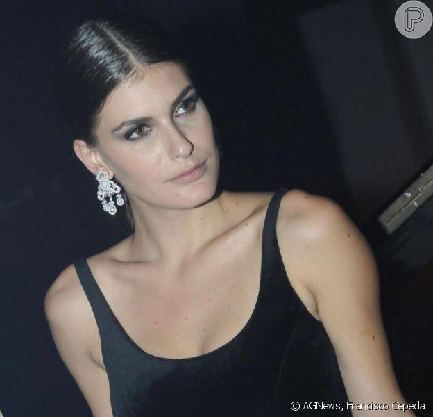 A modelo Carol Francischini se tornou mãe em 28 de novembro de 2012