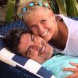 Xuxa ganha declaração de Junno Andrade por aniversário de namoro:'2 anos e meio', nesta terça-feira, 16 de junho de 2015