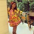 Fabiana Karla combinou um vestido de festa junina florido com camisa da seleção na época da Copa do Mundo de 2014