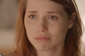 'Sete Vidas': Elisa conversa com Júlia sobre sua virgindade e as duas choram