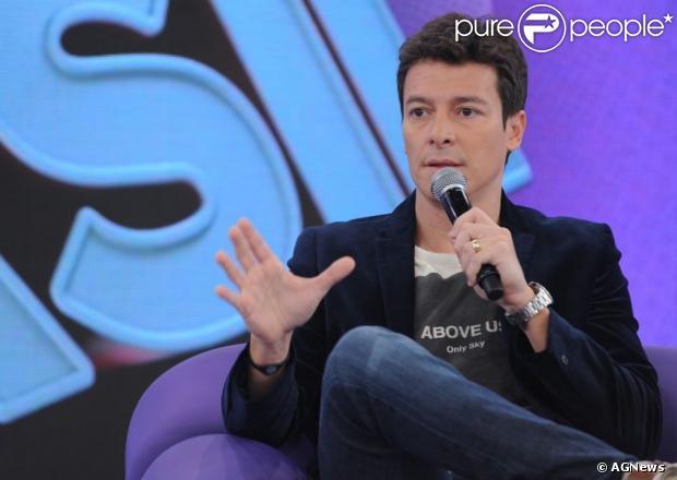 Rodrigo Faro afirmou que não está substituindo Gugu aos domingos: 'Vamos começar um novo ciclo'