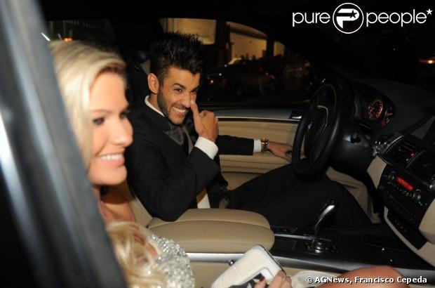 Gusttavo Lima e a noiva Andressa Suita prestigiam o casamento de Edson, da dupla com Hudson, em 11 de junho de 2013