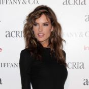 Alessandra Ambrosio é destaque internacional após nudez em 'Verdades Secretas'
