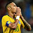 Neymar está fora da Copa América após punicão da Conmebol nesta sexta-feira, dia 15 de junho de 2015. O craque ainda terá que pagar multa de US$ 10 mil