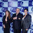 Jayme Periard posa ao lado de Rita Guedes e Daniela Escobar no Prêmio de Música Brasileira