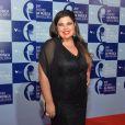 Fabiana Karla escolhe look preto para o Prêmio de Música Brasileira
