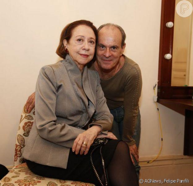 Fernanda Montenegro e Ney Mato Grosso posam nos bastidores do Prêmio de Música Brasileira, em 12 de junho de 2013