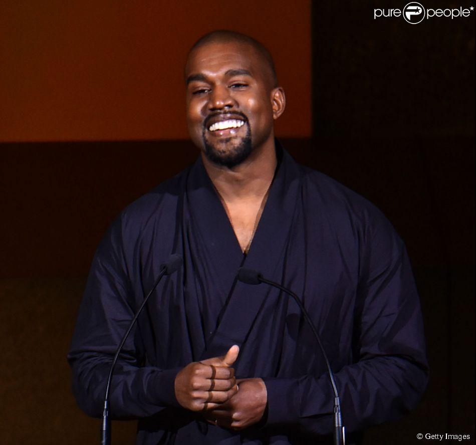 Tênis desenhado por Kanye West para a Adidas está sendo vendido por cerca de R$ 30 mil no e-Bay