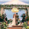 Casamento de Louise D'Tuani e Eduardo Sterblitch foi ao ar livre e aconteceu no final da tarde de quarta-feira, 1º de julho de 2015