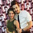 Isabella Santoni tieta Luan Santana nos bastidores do show do sertanejo nesta quinta-feira, 2 de julho de 2015