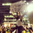 Thaila Ayala postou em seu Instagram uma foto na qual conta a experiência que viveu no protesto no Centro do Rio: 'Achei que ia morrer'