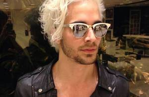 Fiuk aparece com os cabelos ainda mais loiros e divide opiniões dos fãs