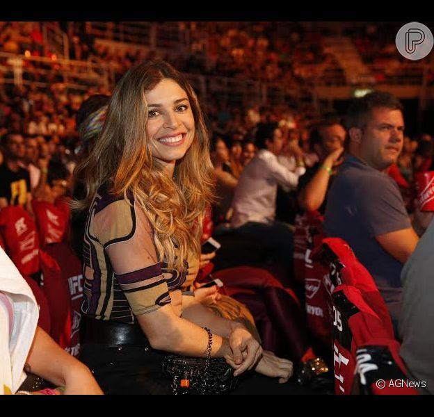 Grazi Massafera fez caras e bocas ao assistir a luta entre a brasileira Bete e a americana Ronda no evento do UFC 190 no sábado, dia 01 de agosto de 2015