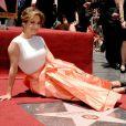 Em junho, Jennifer Lopez ganhou sua estrela na calçada da fama, em Hollywood