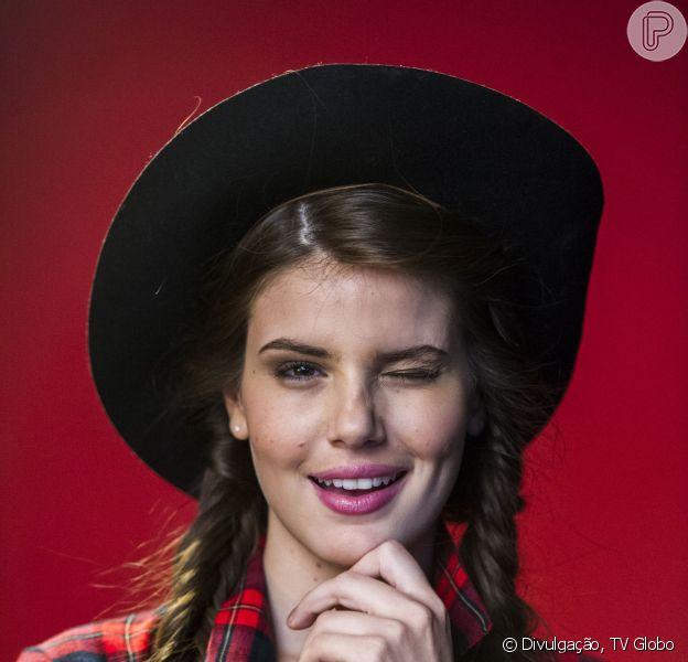 O Purepeople fez uma lista de cinco motivos que vão fazer você ficar ainda mais encantado por Camila Queiroz