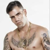 'A Regra do Jogo': MC Merlô (Juliano Cazarré) conhece Andressa Turbinada em show