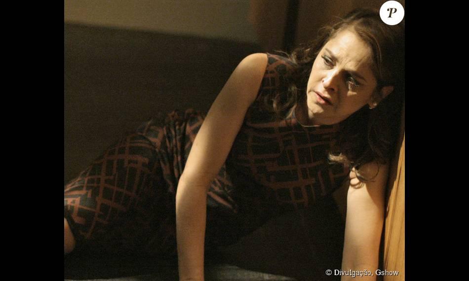 Carolina pegará Angel e Alex pelados na cama no penúltimo capítulo de 'Verdades Secretas', que vai ao ar nesta quinta-feira, dia 24 de setembro de 2015