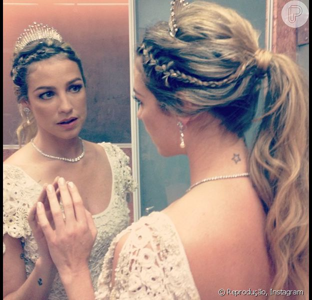 Luana Piovani se casou na noite desta sexta-feira, 26 de julho de 2013