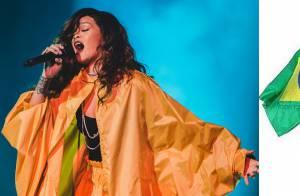 Rihanna ironiza look amarelo do Rock in Rio 2015 e posta foto de saco plástico
