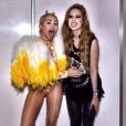 E Bruna não foi a única. Na mesma ocasião, Sophia Abrahão garantiu uma foto com Miley Cyrus