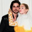 Fiuk arrasou no rosto coladinho ao de Miley Cyrus