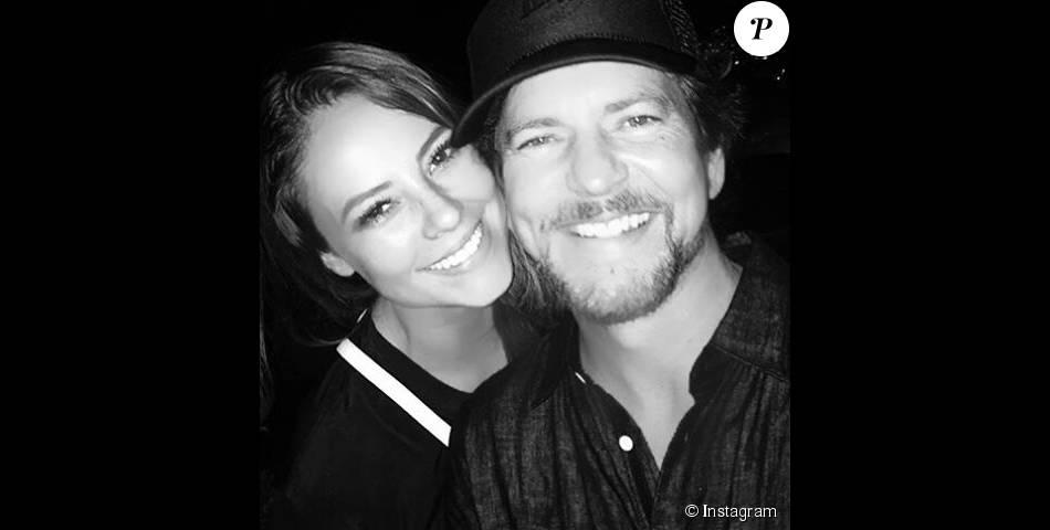 Paolla Oliveira tietou o vocalista do Pearl Jam, Eddie Vedder, na madrugada de 23 de novembro de 2015, após o show da banda no Maracanã