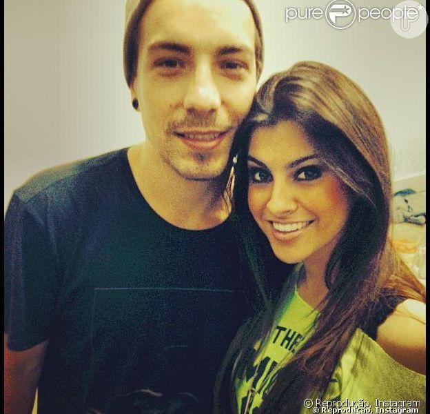 Segundo nota publicada pelo jornal carioca 'Extra', o cantor Di Ferrero teria ficado com a blogueira Nah Cardoso durante uma festa em São Paulo