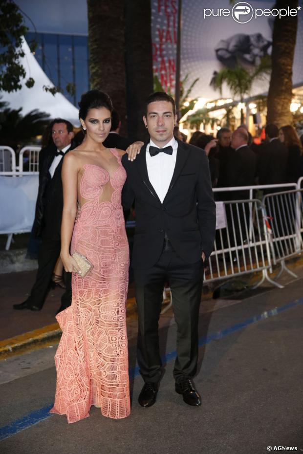 Mariana Rios não confirma nem nega que esteve na casa de Di Ferrero esta manhã, dia 6 de agosto de 2013, mas diz que a relação do casal não mudou e que os dois continuam amigos
