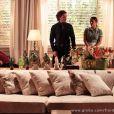 Dionísio (Sérgio Mamberti) ameaça processar Bibiana (Cyria Coentro) e Alberto (Igor Rickli) tenta acabar com a discussão dos dois, em 'Flor do Caribe'