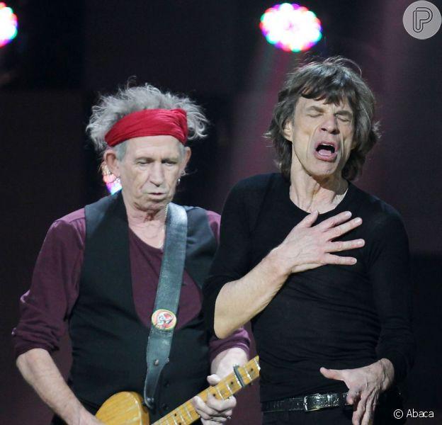 Mick Jagger e Keith Richards dos Rolling Stones participam do show em apoio às vítimas do furacão Sandy, em 12 de dezembro de 2012, em Nova York