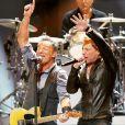 Bruce Springsteen e Jon Bon Jovi participam do show em apoio às vítimas do furacão Sandy, em 12 de dezembro de 2012, em Nova York