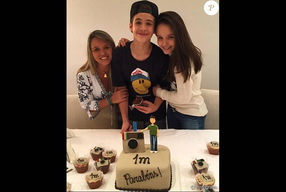 Larissa Manoela preparou festa surpresa para comemorar um milhão de  seguidores de João Guilherme no Instagram e2604c109b