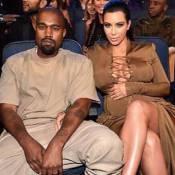 Kim Kardashian decide doar 1000 pares de sapatos, inspirada em programa de TV