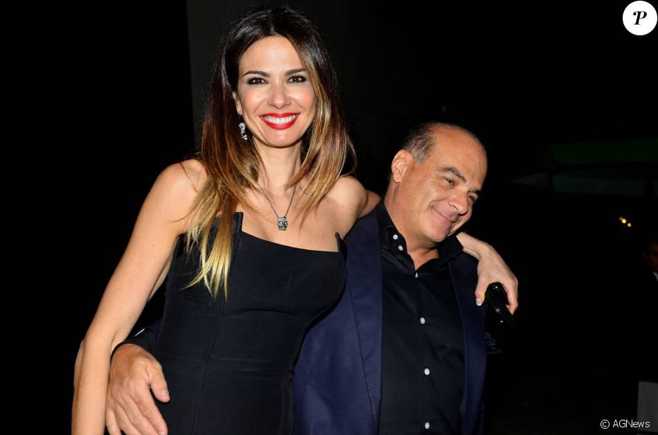 O apresentador e dono da RedeTV, Marcelo de Carvalho, disse que já se acostumou a dormir em um quarto diferente da mulher, Luciana Gimenez