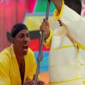 Em novo clipe, Nego do Borel sensualiza com dançarina e se diverte com anões