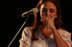 Ivete Sangalo vai às lágrimas em ensaio de show em prol de hospital. Veja vídeo!
