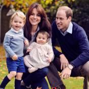 Kate Middleton e príncipe William posam para foto oficial de Natal com os filhos