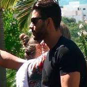 Gusttavo Lima vai ao velório da mãe com a mulher, Andressa Suíta, em Minas