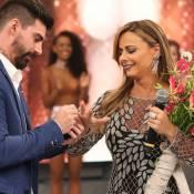 Viviane Araújo aceita pedido de casamento de Radamés no 'Faustão': 'Claro!'