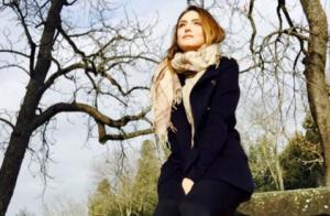 Solteira, Isabelle Drummond curte férias na Itália. Veja fotos da viagem!