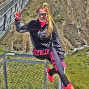 Bárbara Evans salta de bungee jump na Nova Zelândia: 'Machuquei, mas valeu'