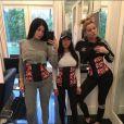 Suas irmãs, Kylie Jenner e Kourtney Kardashian, também são adeptas do modelo
