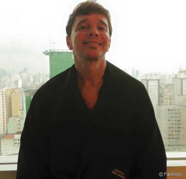 Depois de 20 dias internado no Hospital Sírio Libanês, em São Paulo, Netinho teve alta nesta quarta-feira, 23 de dezembro de 2015, para passar a festa de fim de ano em casa com a família