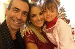 Ticiane Pinheiro posta foto com a filha, Rafaella Justus, e o namorado no Natal