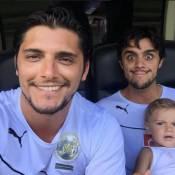 Bruno Gissoni e Felipe Simas participam do Jogo das Estrelas, no Maracanã