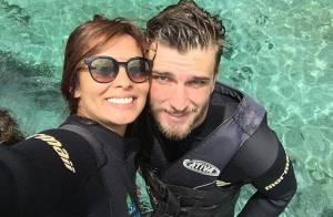 Carol Nakamura aproveita as férias ao lado do namorado, o jogador Aislan Lottici