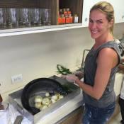 487c080974836 Marido de Ana Hickmann mostra a loira cozinhando   Ceia do Réveillon