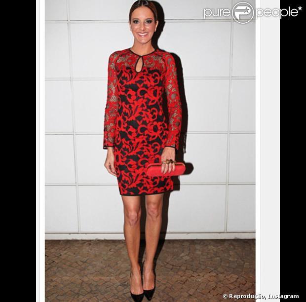 Ticiane Pinheiro vai de vestido rendado para o aniversário de sua amiga, Melissa Wilman, mulher de Otávio Mesquita, em 29 de agosto de 2013