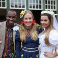Thiaguinho e Fernanda Souza foram os noivos do arraiá do 'Estrelas' deste ano